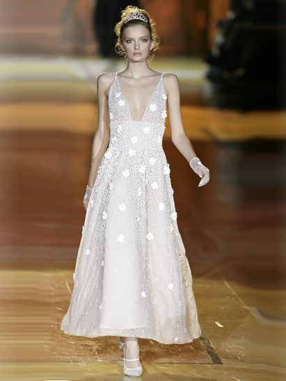 Dress, White, Style, Formal wear, Headpiece, Gown, Hair accessory, One-piece garment, Headgear, Wedding dress,