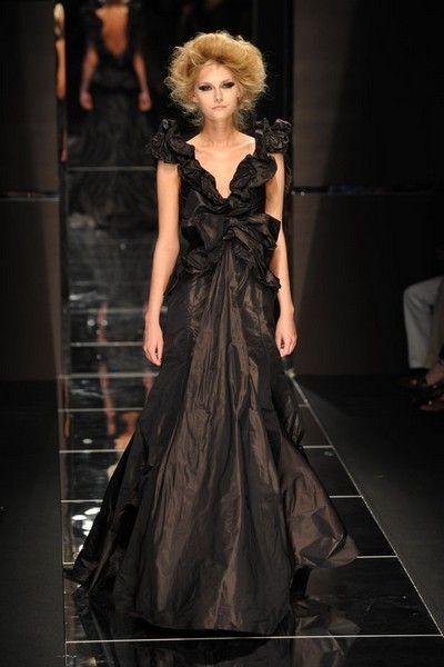 Dress, Style, Fashion model, Formal wear, Gown, Fashion, Costume design, Haute couture, Fashion show, One-piece garment,