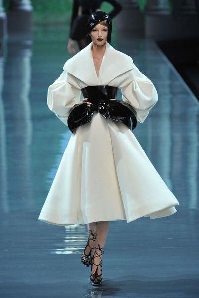 a8d3acd43638 Sfilata Christian Dior - Autunno-Inverno 2008-2009 Alta Moda - Parigi