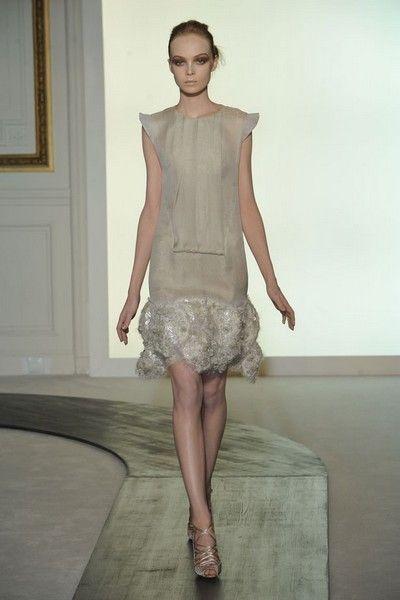 Clothing, Brown, Human body, Shoulder, Human leg, Textile, Joint, Dress, Style, Waist,