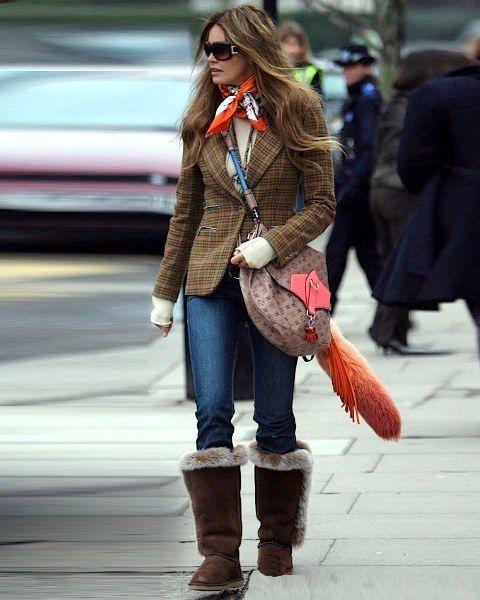 Clothing, Leg, Trousers, Winter, Coat, Textile, Human leg, Outerwear, Bag, Denim,