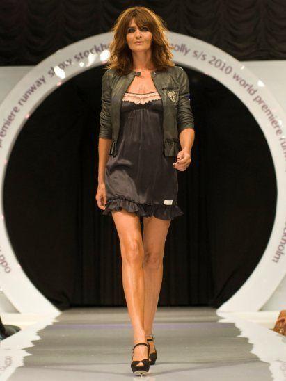 Clothing, Human, Leg, Brown, Dress, Shoulder, Human leg, Joint, High heels, Style,