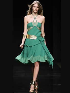 Clothing, Shoulder, Human leg, Joint, Dress, Style, Formal wear, One-piece garment, Waist, Fashion model,