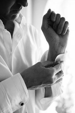 Finger, Sleeve, Joint, Wrist, White, Collar, Gesture, Monochrome, Monochrome photography, Thumb,