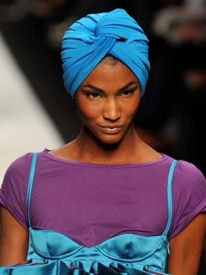 Nose, Blue, Turban, Purple, Headgear, Electric blue, Magenta, Violet, Cobalt blue, Dastar,