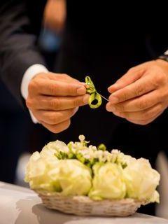 Finger, Hand, Photograph, Bouquet, Wrist, Petal, Nail, Thumb, Gesture, Ceremony,