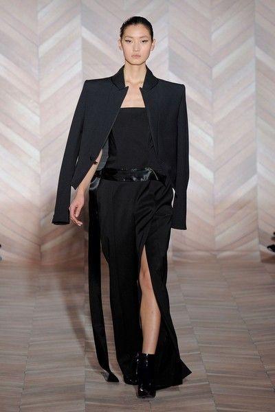 Clothing, Human body, Outerwear, Formal wear, Style, Fashion model, Collar, Fashion show, Blazer, Fashion,