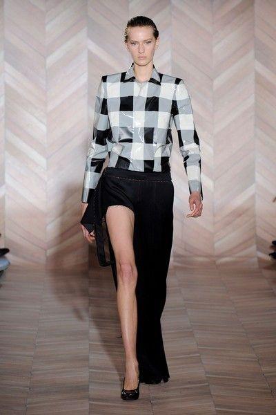 Clothing, Dress shirt, Collar, Sleeve, Human body, Shoulder, Shirt, Joint, Human leg, Outerwear,
