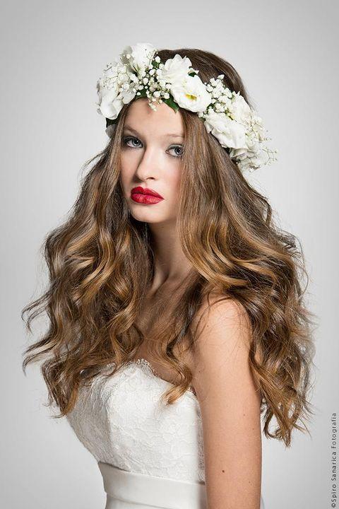 Hairstyle, Skin, Hair accessory, White, Petal, Headpiece, Bridal accessory, Dress, Headgear, Beauty,