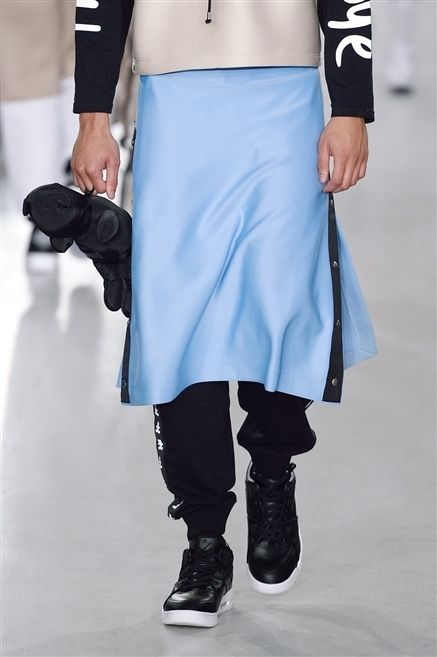 Clothing, Blue, Sleeve, Textile, Joint, White, Style, Street fashion, Fashion, Knee,