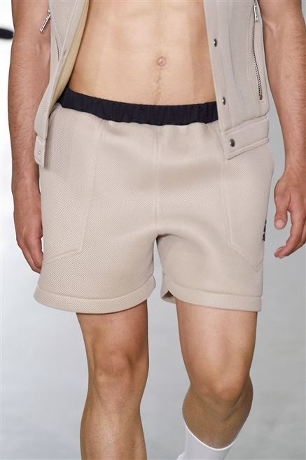 Leg, Sleeve, Human leg, Shoulder, Textile, Joint, Waist, Fashion, Knee, Thigh,