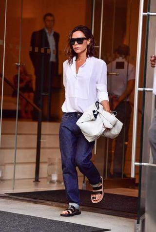 sale retailer 57d47 ec469 Victoria Beckham: tacchi o scarpe basse?