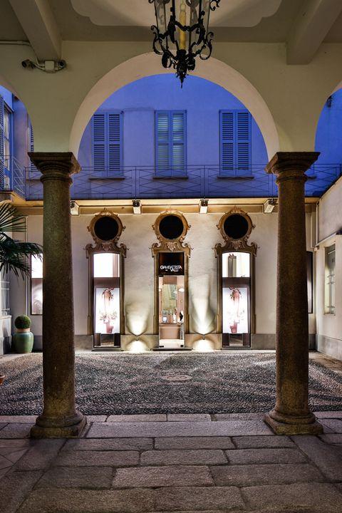 Lighting, Architecture, Light fixture, Ceiling, Interior design, Column, Arch, Fixture, Ceiling fixture, Chandelier,