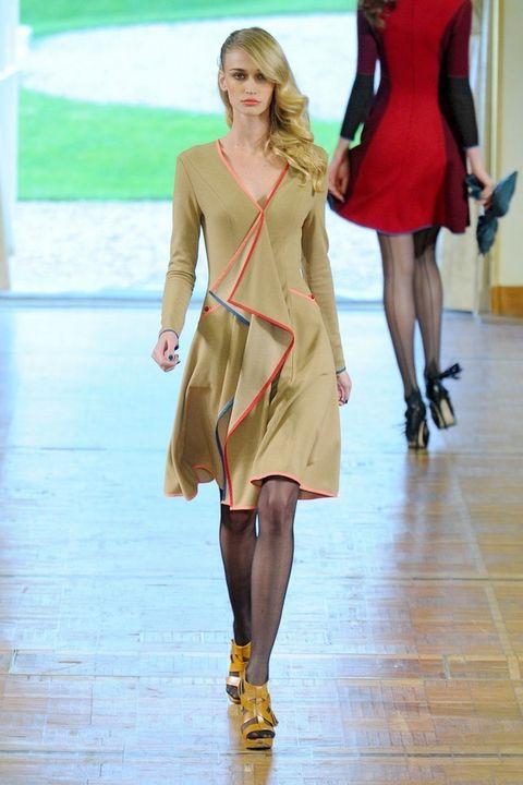 Clothing, Leg, Human body, Dress, Event, Human leg, Shoulder, Fashion show, Joint, Runway,