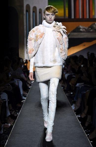 Human, Fashion show, Shoulder, Runway, Joint, Human leg, Outerwear, Fashion model, Style, Fashion,