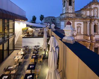 il 4 maggio 2012 a Palermo si festeggia con La Pina di radio DeeJay ...
