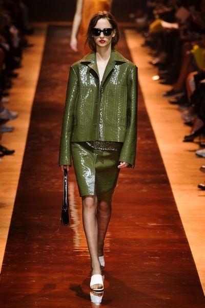 Eyewear, Fashion show, Runway, Outerwear, Sunglasses, Fashion model, Style, Fashion, Street fashion, Fashion design,