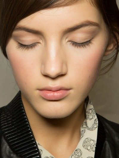 Lip, Cheek, Hairstyle, Eye, Skin, Chin, Forehead, Eyebrow, Eyelash, Collar,
