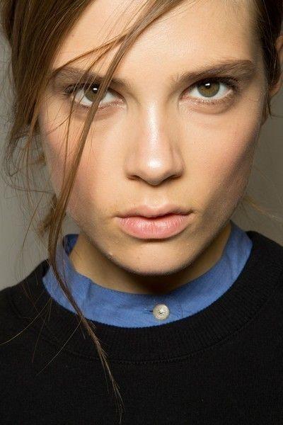 Hair, Lip, Cheek, Eye, Hairstyle, Chin, Forehead, Eyebrow, Eyelash, Collar,