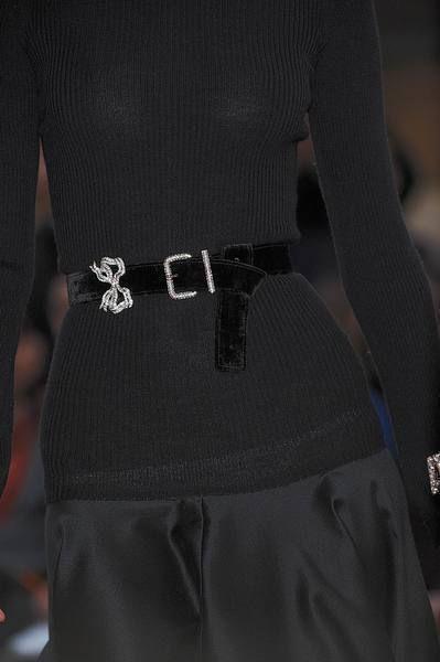 Sleeve, Textile, Joint, Waist, Fashion, Back, Belt, Trunk, Pocket, Hip,