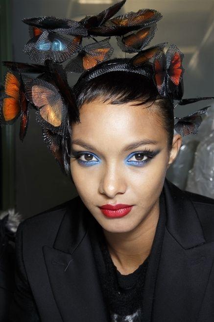 Ear, Lip, Mouth, Hairstyle, Forehead, Eyebrow, Eyelash, Outerwear, Hair accessory, Style,