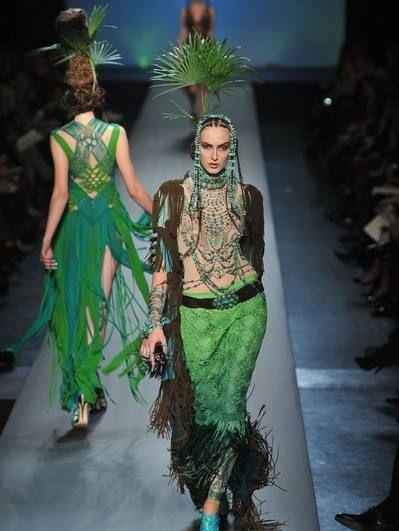 Fashion show, Runway, Style, Fashion model, Fashion, Model, Youth, Waist, Costume design, Haute couture,