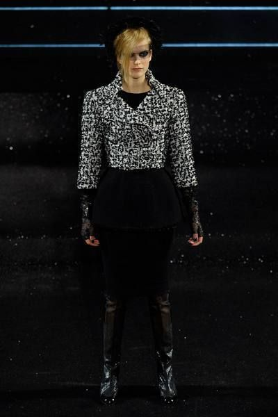 Clothing, Sleeve, Outerwear, Style, Fashion model, Street fashion, Boot, Knee, Fashion accessory, Fashion,