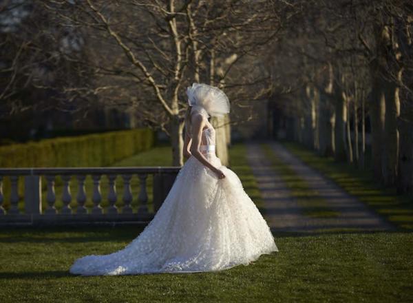 Vera Wang, la stilista di Kim Kardashian e Jennifer Lopez, parla dei suoi nuovi abiti da sposa