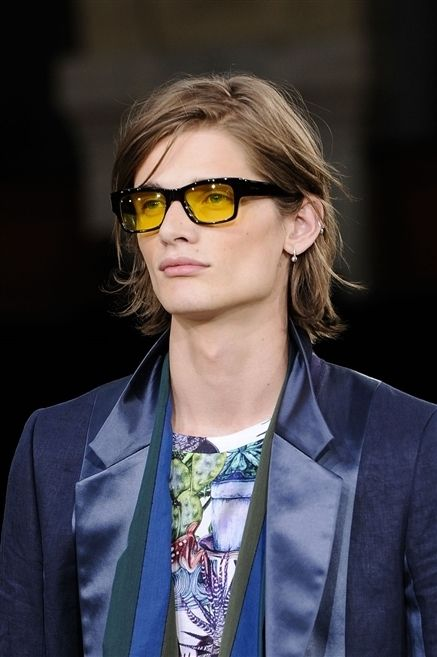 Clothing, Eyewear, Glasses, Vision care, Coat, Hairstyle, Collar, Outerwear, Style, Sunglasses,