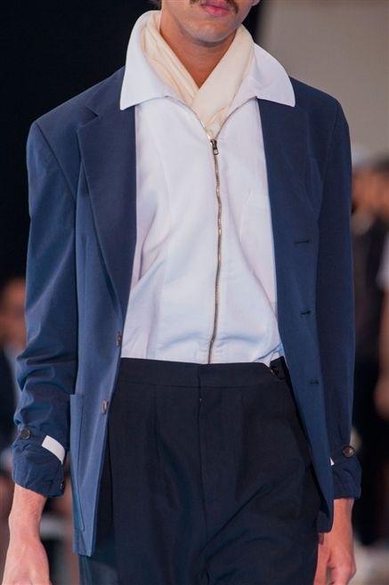 Collar, Sleeve, Outerwear, Formal wear, Dress shirt, Fashion show, Blazer, Fashion, Street fashion, Jacket,