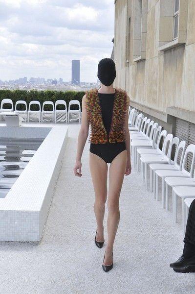 Human leg, Shoulder, Waist, Thigh, Back, Knee, Leotard, Calf, Street fashion, Mannequin,
