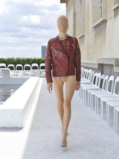Sleeve, Shoulder, Human leg, Mannequin, Knee, Waist, Beige, Calf, Foot, Ankle,