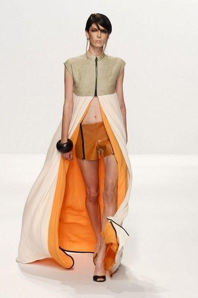 Sleeve, Shoulder, Joint, Human leg, Knee, Fashion, Orange, Tan, Bag, Waist,