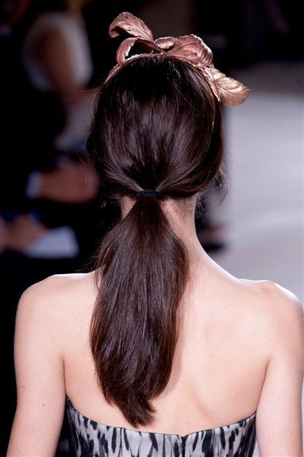 Hairstyle, Shoulder, Style, Back, Hair accessory, Headgear, Fashion, Long hair, Beauty, Headpiece,