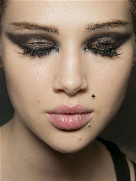 Lip, Cheek, Mouth, Skin, Chin, Forehead, Eyelash, Eyebrow, Eye shadow, Style,