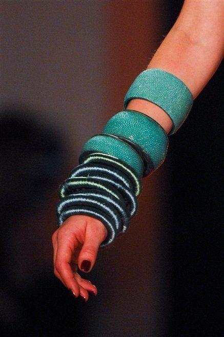 Finger, Wrist, Bracelet, Nail, Body jewelry, Bangle, Rope,