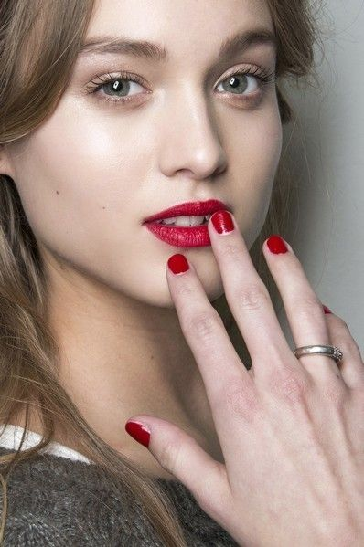 Nose, Finger, Lip, Skin, Eyebrow, Eyelash, Nail, Beauty, Nail care, Manicure,
