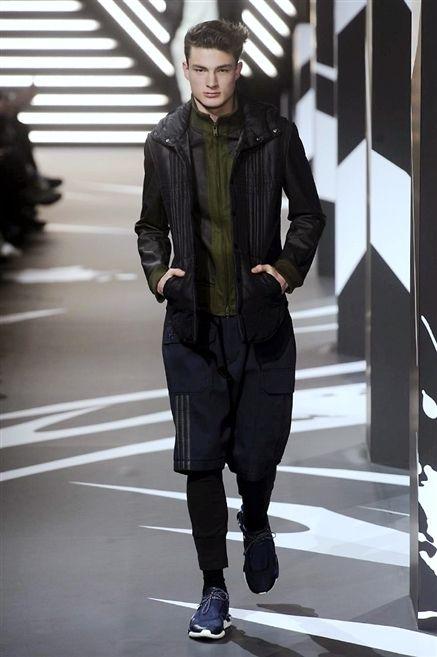 Clothing, Jacket, Sleeve, Collar, Textile, Standing, Outerwear, Style, Street fashion, Fashion,