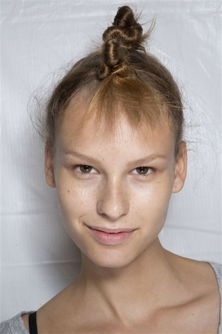 Lip, Cheek, Hairstyle, Skin, Chin, Forehead, Shoulder, Eyebrow, Eyelash, Mammal,