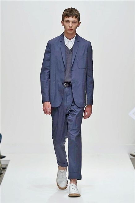 Clothing, Collar, Sleeve, Dress shirt, Outerwear, Formal wear, Style, Blazer, Fashion show, Fashion,