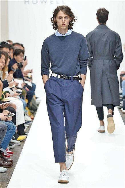 Clothing, Footwear, Leg, Sleeve, Shoulder, Jeans, Outerwear, Style, Collar, Fashion model,