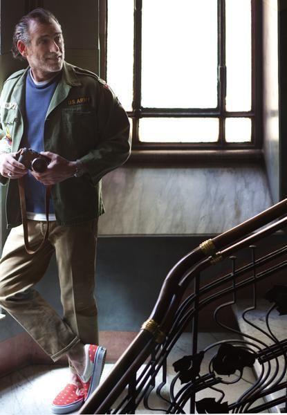Shoe, Jacket, Beard, Facial hair, Daylighting, Handrail, Leather, Pocket, Stairs,