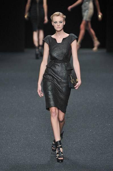 Clothing, Leg, Dress, Human body, Shoulder, Fashion show, Human leg, Joint, Fashion model, Style,