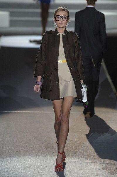 Clothing, Fashion show, Human leg, Outerwear, Runway, Collar, Style, Coat, Jacket, Fashion model,