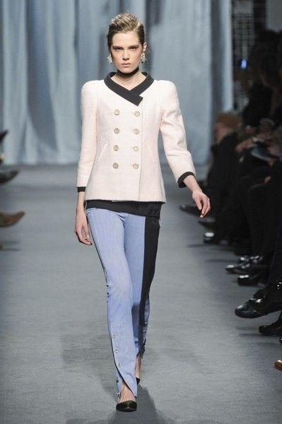 Clothing, Fashion show, Shoulder, Joint, Outerwear, Runway, Style, Fashion model, Street fashion, Waist,