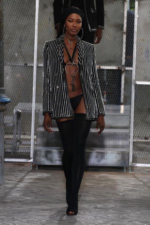 Sleeve, Outerwear, Style, Jewellery, Street fashion, Fashion accessory, Fashion, Black, Pattern, Bag,