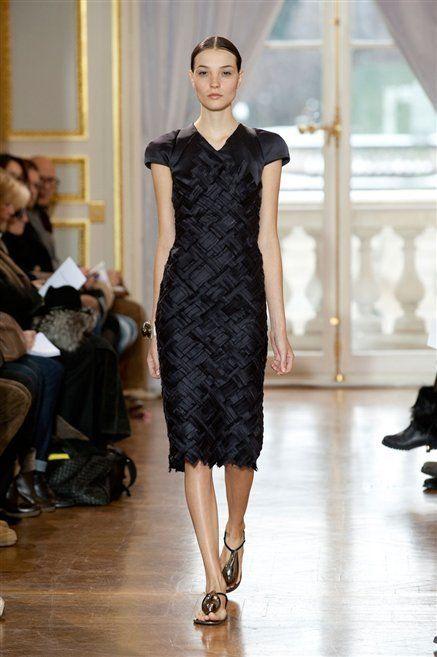 Footwear, Shoulder, Dress, Joint, Fashion show, Style, Fashion model, One-piece garment, Runway, Waist,