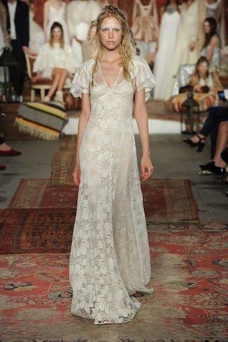 Vestito Da Sposa Kate Moss.Abiti Da Cerimonia Il Matrimonio Ispirato A Kate Moss La Sposa