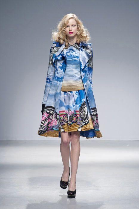 Clothing, Blue, Sleeve, Shoulder, Fashion show, Textile, Joint, Fashion model, Style, Pattern,