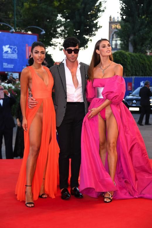 Star in naked dress: le foto più hot dal red carpet